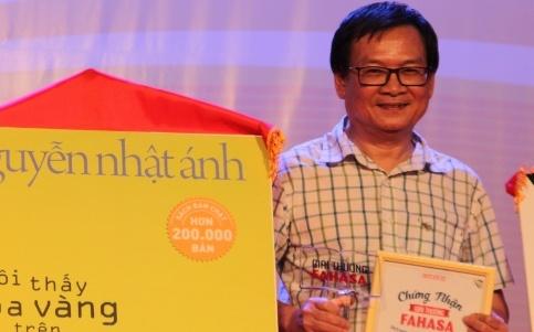 Nha van Nguyen Nhat Anh boi thu giai thuong hinh anh