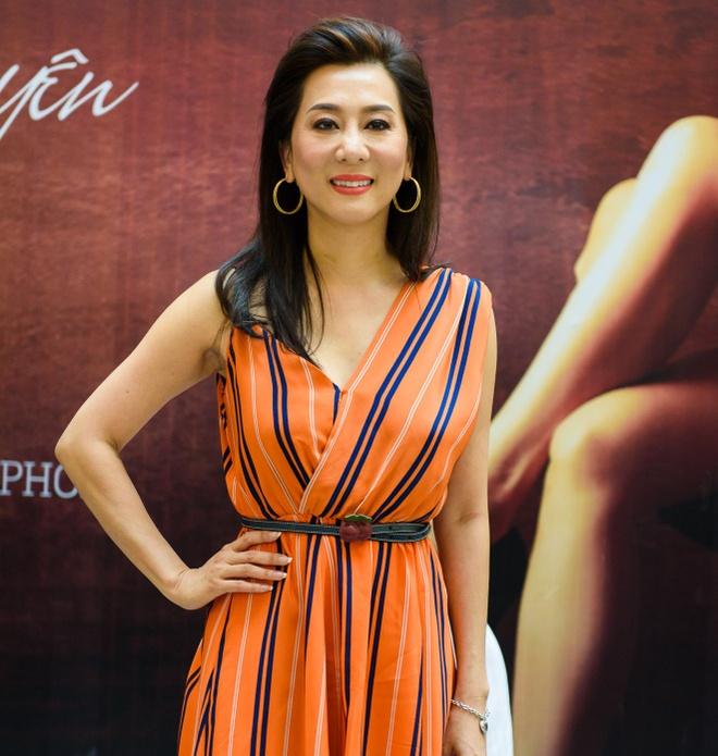 Nguyen Cao Ky Duyen lan dau hop fan tai TP HCM hinh anh 1