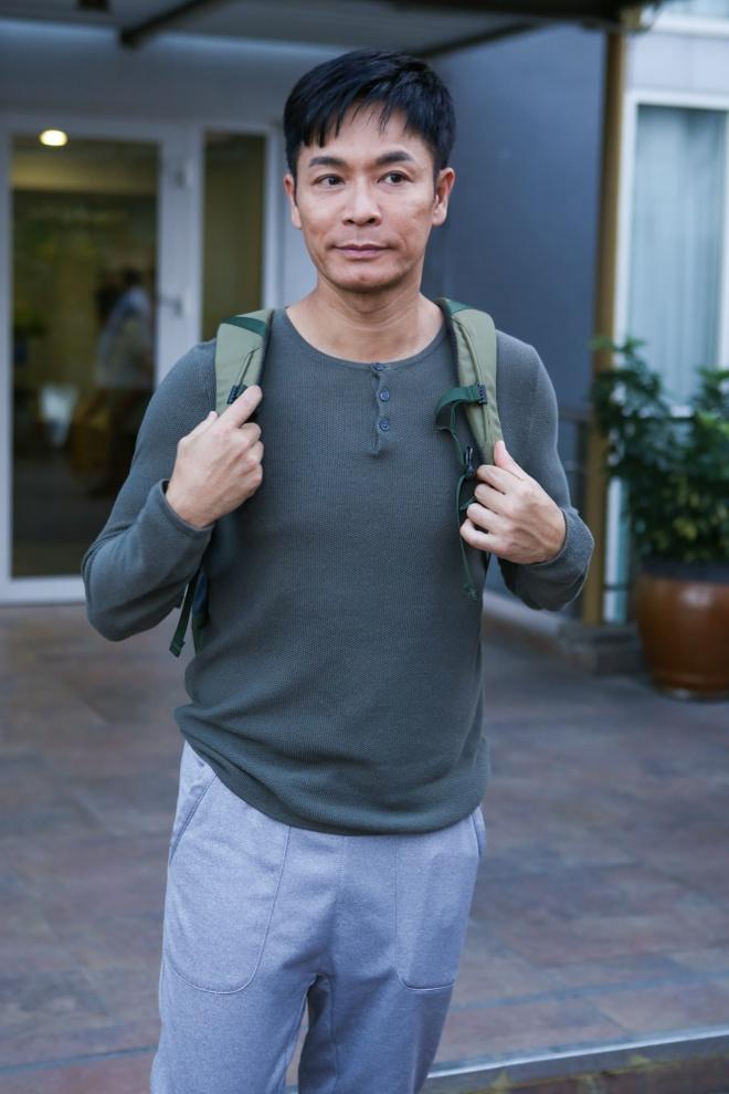 Dan sao TVB quay phim ngay khi dat chan toi Viet Nam hinh anh 1