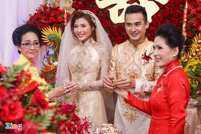 Luong The Thanh - Thuy Diem hon nhau ngot ngao hinh anh 13