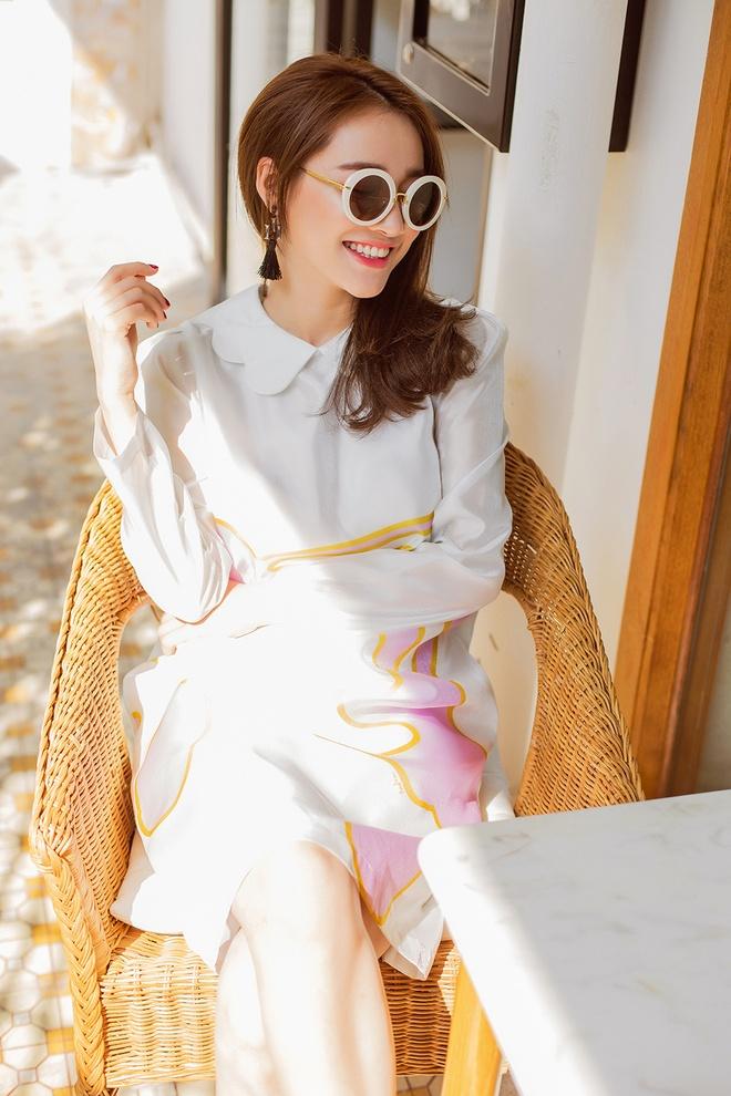 Street style ngay cang sanh dieu cua Nha Phuong hinh anh 2
