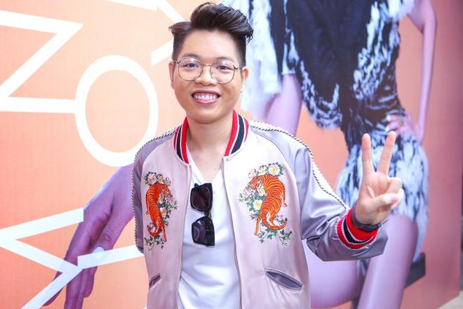 Ban gai Cuong Do La tang hoa Maya trong buoi ra mat album hinh anh 10