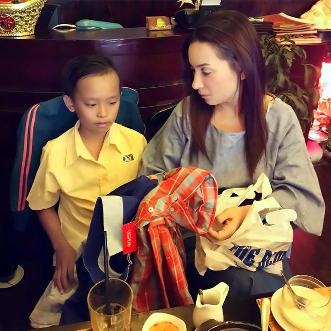Phi Nhung tai tro hoc phi cho cau be thi Vietnam Idol Kids hinh anh 2