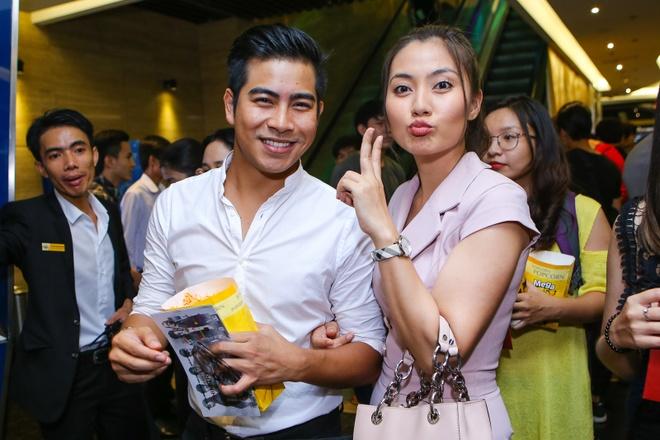 Vo Ly Hai vac bung bau 6 thang den du ra mat phim hinh anh 9
