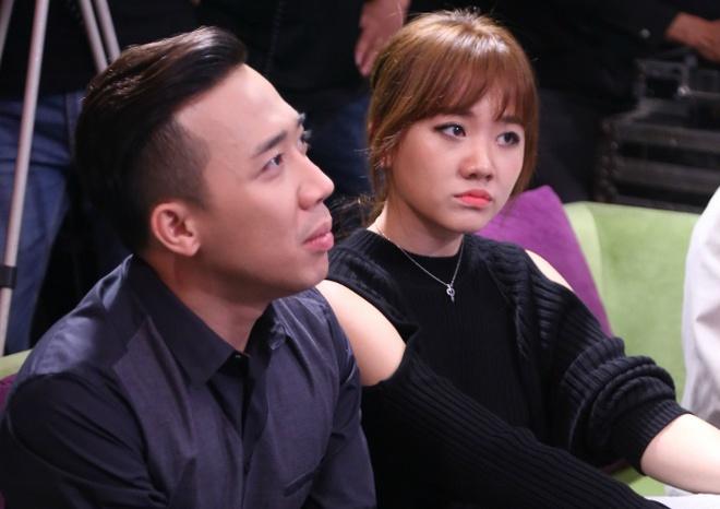 Tran Thanh 'cau hon' Hari Won khi ngoi chung ghe nong hinh anh 1