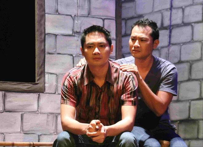 Minh Luan - Thanh Van dua goc toi showbiz Viet len san khau hinh anh 2