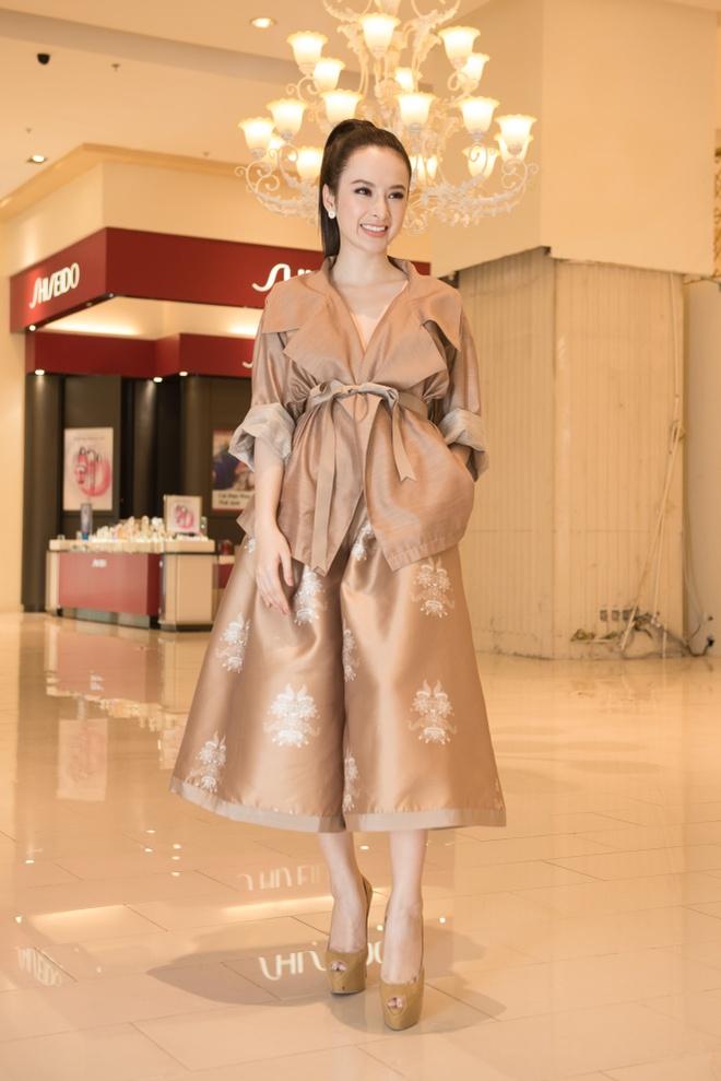 Angela Phuong Trinh dien do ruom ra ra mat phim moi hinh anh 2