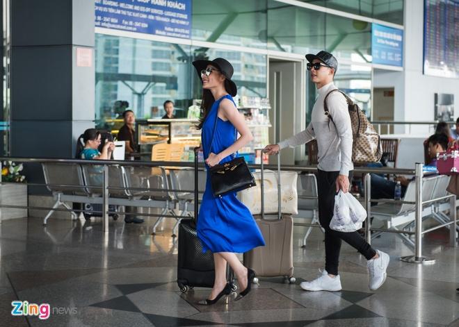Luong The Thanh cham soc Thuy Diem o san bay hinh anh 4