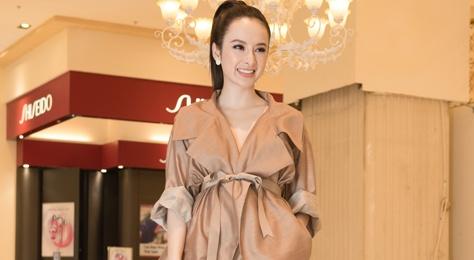Angela Phuong Trinh dien do ruom ra ra mat phim moi hinh anh