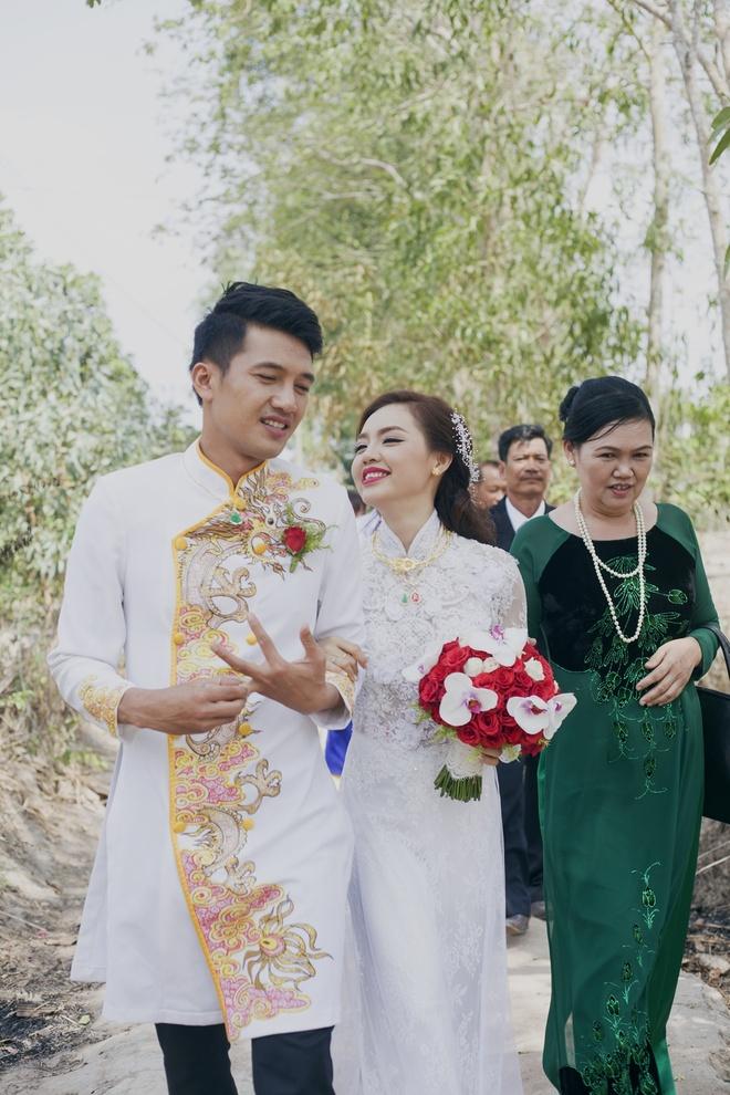Dam cuoi Quang Tuan va Linh Phi anh 1