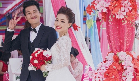 Le cuoi gian di cua Quang Tuan va Linh Phi o que nha hinh anh