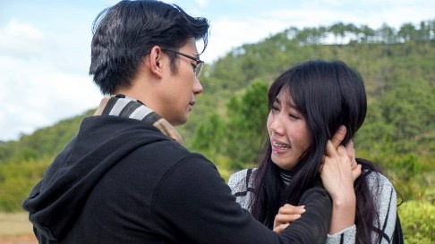 Nhan Phuc Vinh va ban trai Ngoc Lan lam doi thu trong phim hinh anh