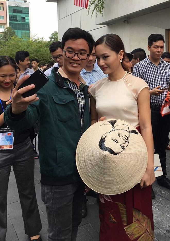 Lan Phuong mang qua dac biet tang Tong thong Obama hinh anh 3