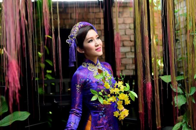 Thanh Thuy: 'Ca hat va lam chinh tri khong xung dot' hinh anh 2
