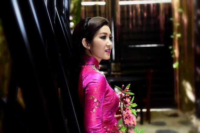 Thanh Thuy: 'Ca hat va lam chinh tri khong xung dot' hinh anh 1