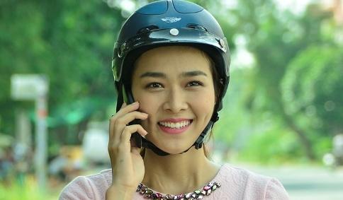 Diep Bao Ngoc buon ban noi tang trong phim moi hinh anh