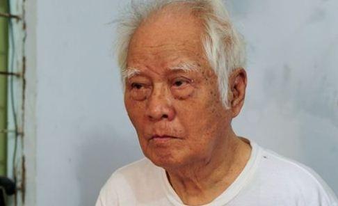 Nhac si Nguyen Van Ty co don trong can nha 10 m2 hinh anh