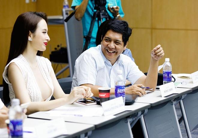 Angela Phuong Trinh mac dam khoet nguc sau di casting phim hinh anh 4