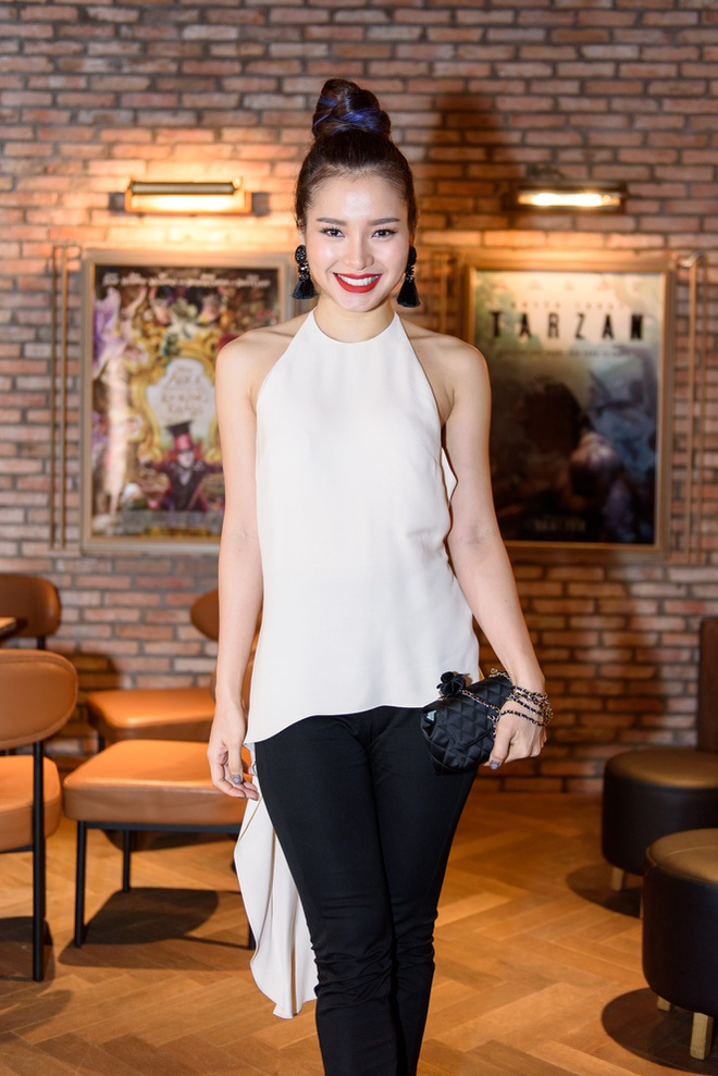 Dan sao Viet hao huc su kien ra mat phim 'Fan cuong' hinh anh 5