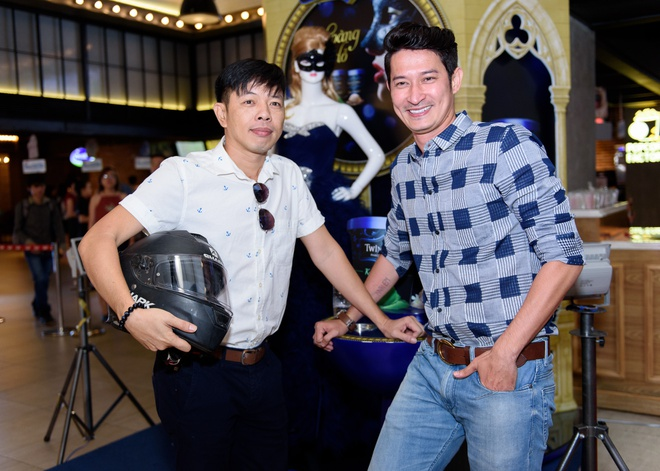 Dan sao Viet hao huc su kien ra mat phim 'Fan cuong' hinh anh 2