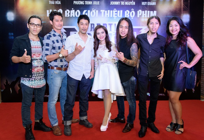 Dan sao Viet hao huc su kien ra mat phim 'Fan cuong' hinh anh 8