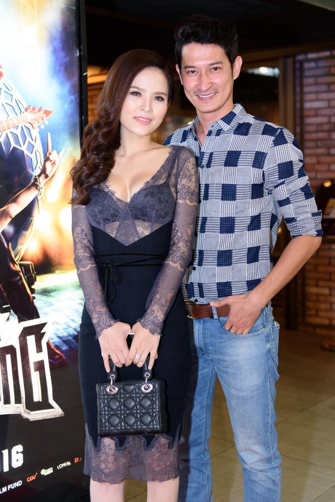 Dan sao Viet hao huc su kien ra mat phim 'Fan cuong' hinh anh 4