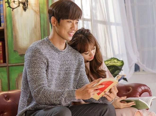 Hari Won tinh tu cung ban dien trong MV 'Anh cu di di' hinh