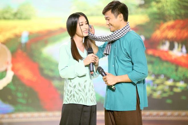 Nghe si hai Tan Hoang bi tat tieng van len san khau hat hinh anh 3