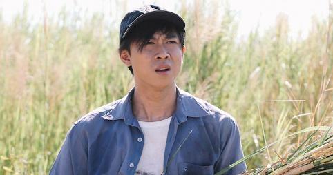 Ho Viet Trung bi ban dien dam chay mau mui trong phim hinh anh