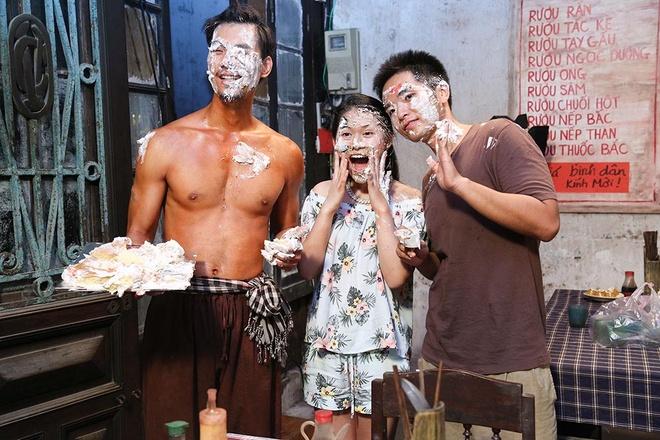 Dam Vinh Hung den truong quay mung sinh nhat chau gai hinh anh 6