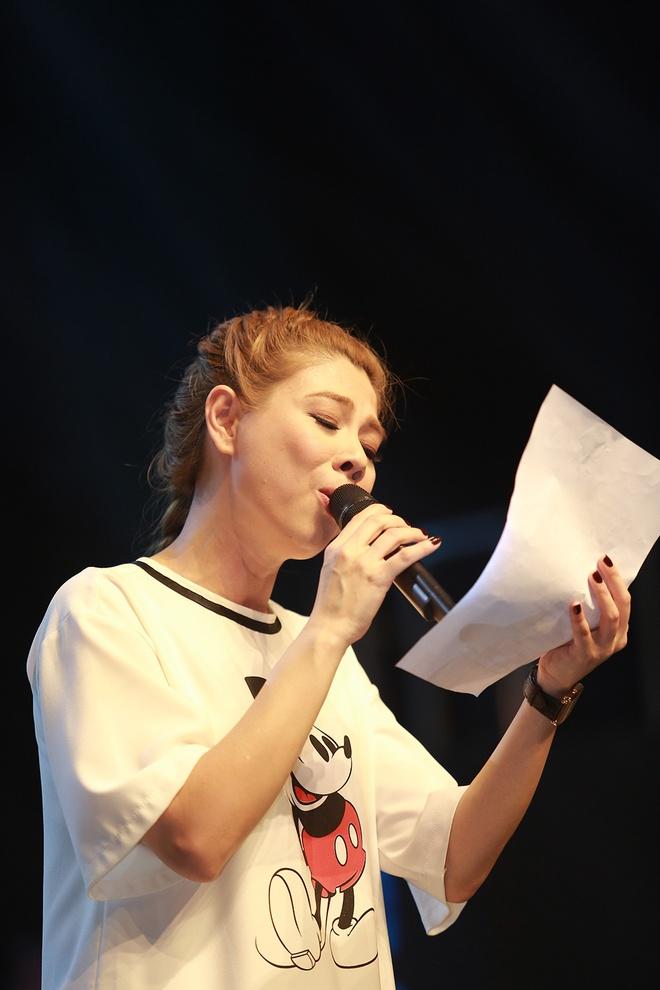 Dan sao nam Vpop quy tu trong live show cua Thanh Thao hinh anh 2