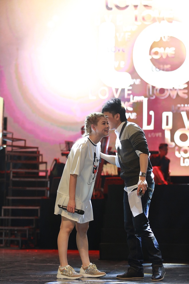 Dan sao nam Vpop quy tu trong live show cua Thanh Thao hinh anh 9