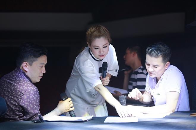 Dan sao nam Vpop quy tu trong live show cua Thanh Thao hinh anh 6
