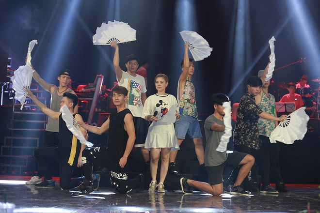 Dan sao nam Vpop quy tu trong live show cua Thanh Thao hinh anh 12