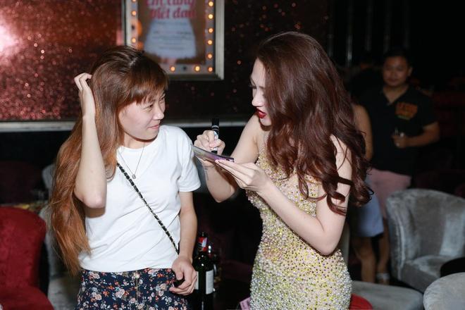 Bao Anh cover hit cua Ho Quang Hieu trong dem nhac rieng hinh anh 6