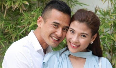 Luong The Thanh - Thuy Diem quan quyt trong su kien hinh anh