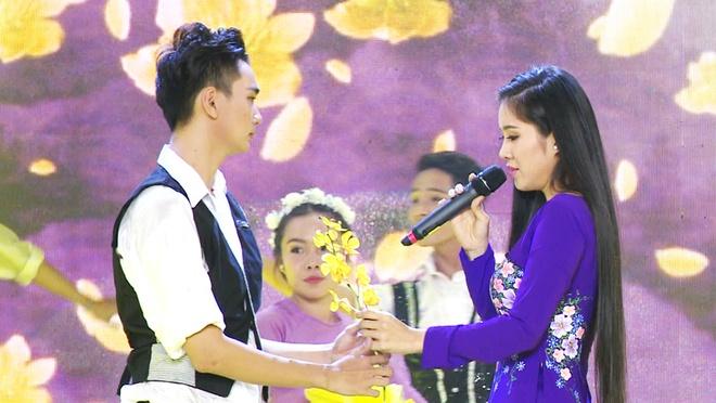 Quy Binh ke chuyen tinh voi Le Phuong anh 1