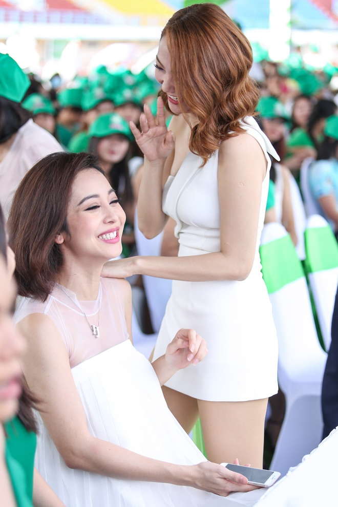 Minh Hang - Jennifer Pham dien ton sur ton o su kien hinh anh 3
