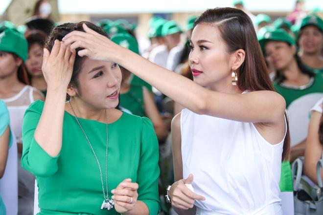 Minh Hang - Jennifer Pham dien ton sur ton o su kien hinh anh 6