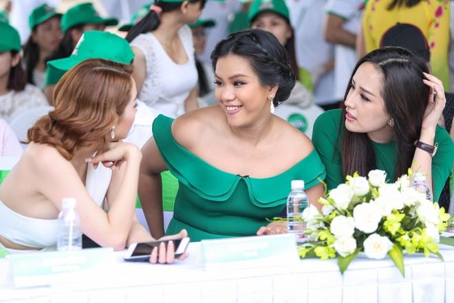 Minh Hang - Jennifer Pham dien ton sur ton o su kien hinh anh 7