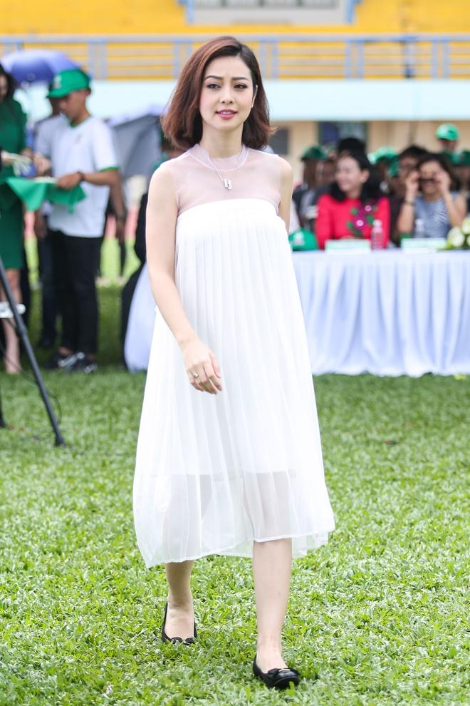 Minh Hang - Jennifer Pham dien ton sur ton o su kien hinh anh 2