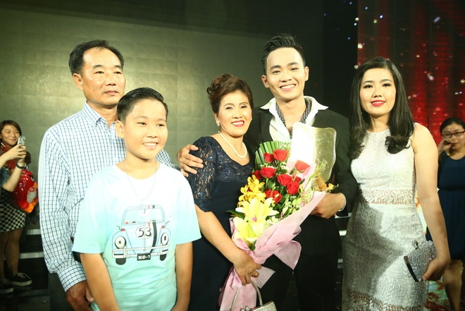 Hot boy Anh Tu tro thanh quan quan Cuoi xuyen Viet 2016 hinh anh 8