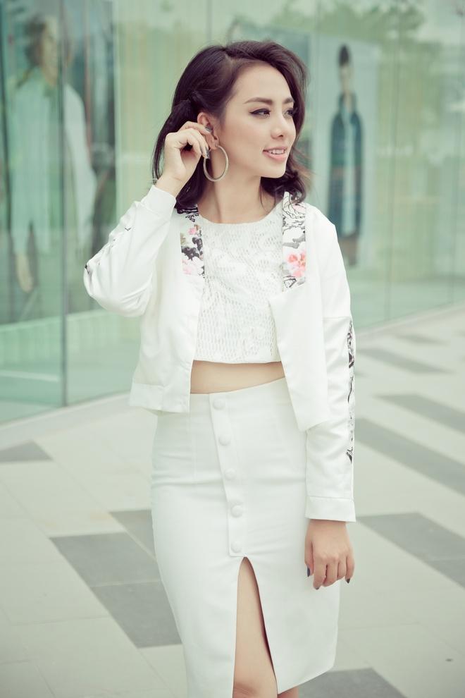 Miko Lan Trinh nang dong xuong pho hinh anh 1