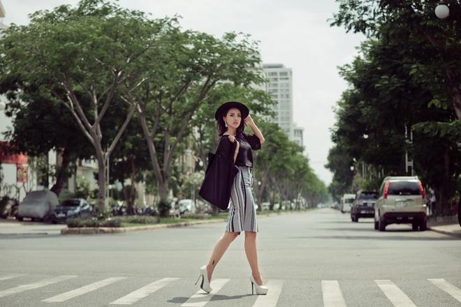 Miko Lan Trinh nang dong xuong pho hinh anh 6