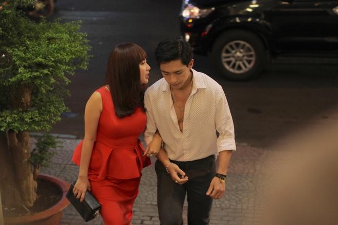 Le Khanh khong so chong ghen khi yeu trai tre trong phim hinh anh 2