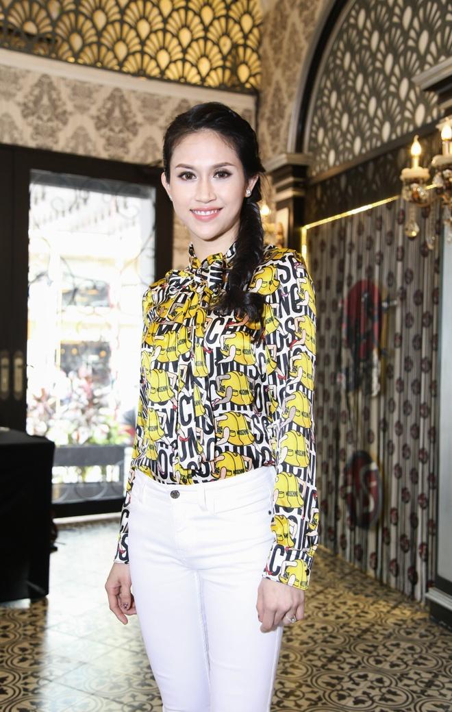Thanh Ha gian di den ung ho dan em lam show Bolero hinh anh 3