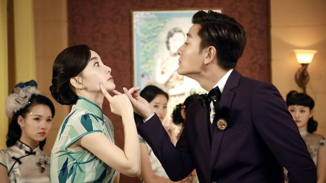 Vo chong Ly Tieu Lo mang con gai den phim truong hinh anh 1