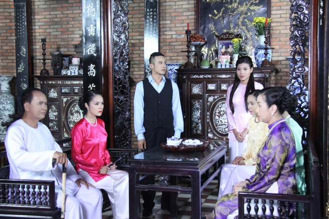 Duong Cam Lynh lam vo le trong phim anh 6