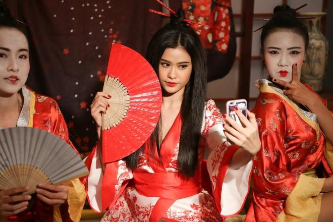 Truong Quynh Anh hoa than thanh geisha trong MV moi hinh anh 2