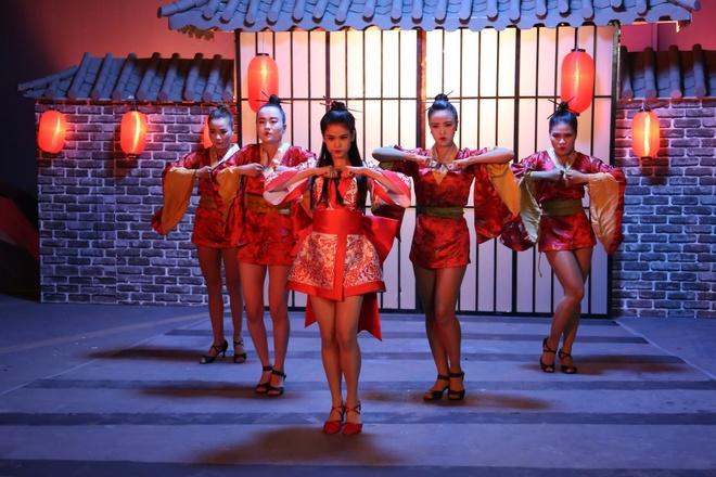 Truong Quynh Anh hoa than thanh geisha trong MV moi hinh anh 8